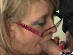 office-lady-gives-head-and-gets-fucked