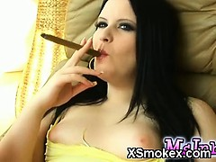 Hottie Smoking Chick Porno XXX