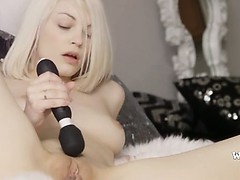 blondie-angel-and-art-of-masturbation