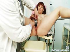 old-zita-mature-pussy-speculum-examination-at-bizzare-gyno