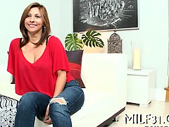 sexy-milf-with-sexy-nylons