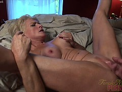 mandy-foxx-fucking-sucking-squirting-it-s-a-good-day
