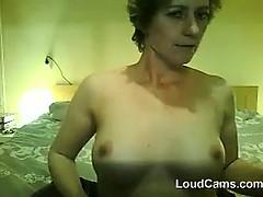 mature-woman-does-a-striptease