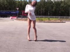 hitchhiking-amateur-deepthroats-cock