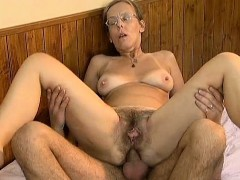 mature-housewife-having-an-orgasm-part5