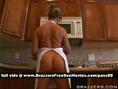 super-sexy-busty-blonde-babe-cleans-the-house