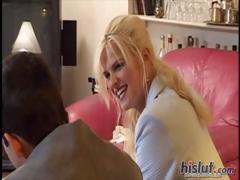 lisa-loves-giving-blowjobs