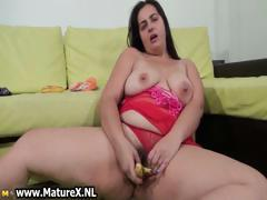 hairy-fat-mom-loves-fucking-her-pussy-part5