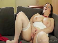 nasty-mommy-dildo-fucking-cunt