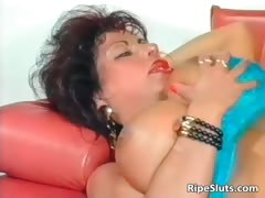 gorgeous-mega-boobed-mature-slut-gets-part4