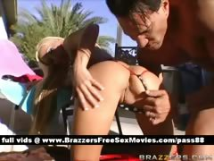 sexy-blonde-babe-outside-gets-a-blowjob