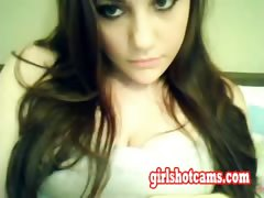 hot-18-years-old-girl-flashing-bi