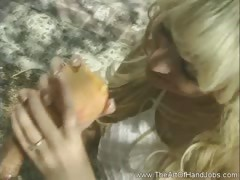 handjob-from-a-lady-in-white